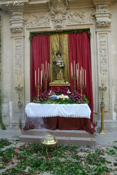 IMG-20130409-WA0004.jpg altarmayordomia2012